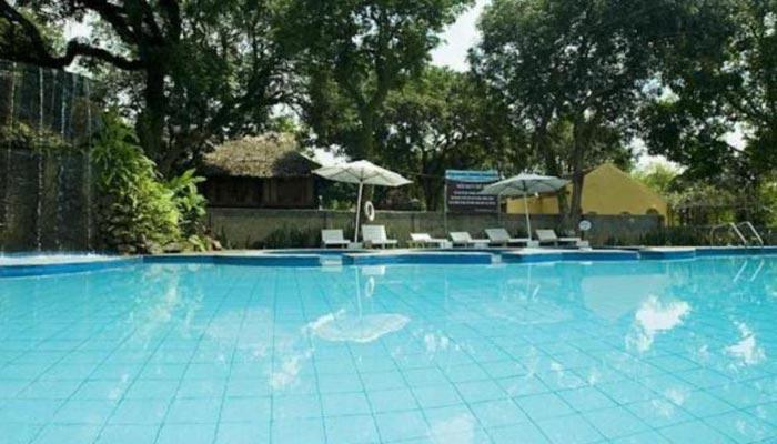 Bể bơi khoáng nóng tại Resort Tản Đà, Ba Vì
