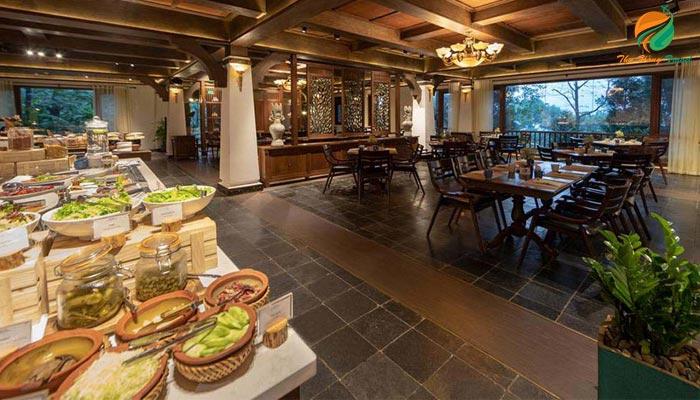 Nhà hàng tại Melia Ba Vì Resort