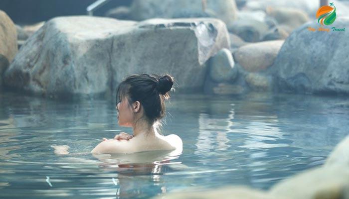Tắm khoáng nóng