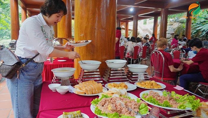 Ăn Buffet tại Medi Thiên Sơn Ba Vì