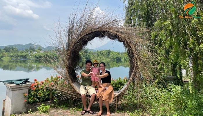 Gia đình nghỉ dưỡng tại Tản Đà Spa Resort