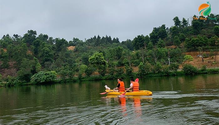 chèo thuyền kayak tản đà spa resort