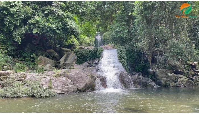 suối thác ở Ba Vì