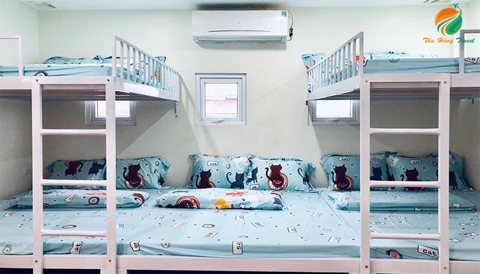 Giường ngủ tầng ở căn An 1 Xanh Villlas