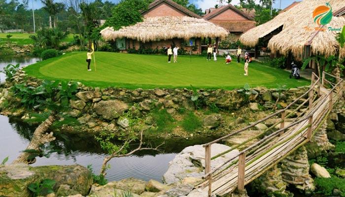 Sân golf ở Asean Resort Thạch Thất
