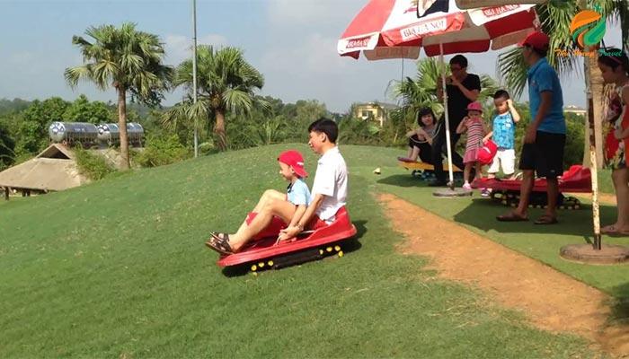 Trượt cỏ tại Thảo Viên Resrot