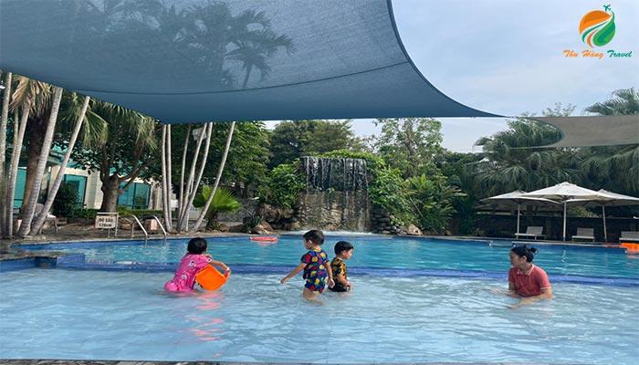 Bơi khoáng ở Tản Đà Spa Resort