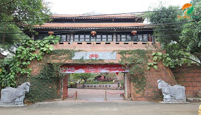 Cổng khu du lịch Long Việt - du lịch sinh thái ba vì