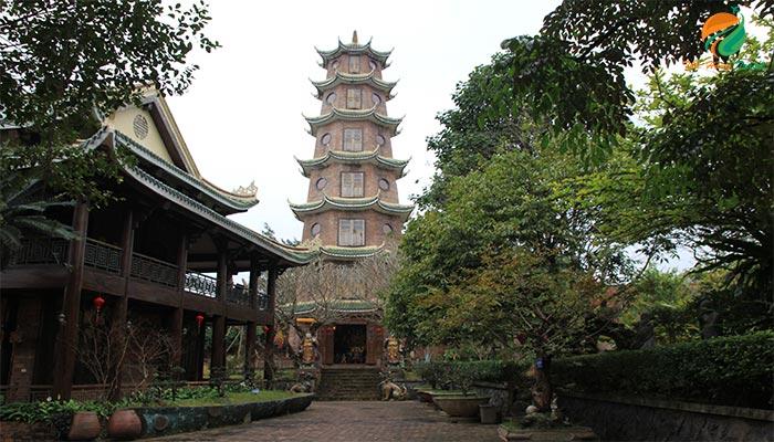 Một góc khu du lịch sinh thái Long Việt