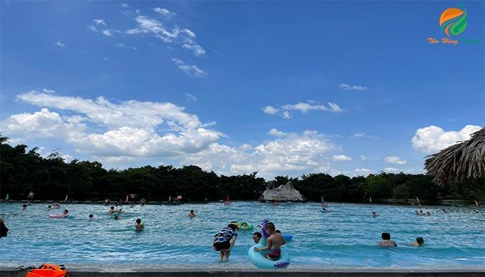 Bể bơi, hồ tạo sóng ở khu Khoang Xanh
