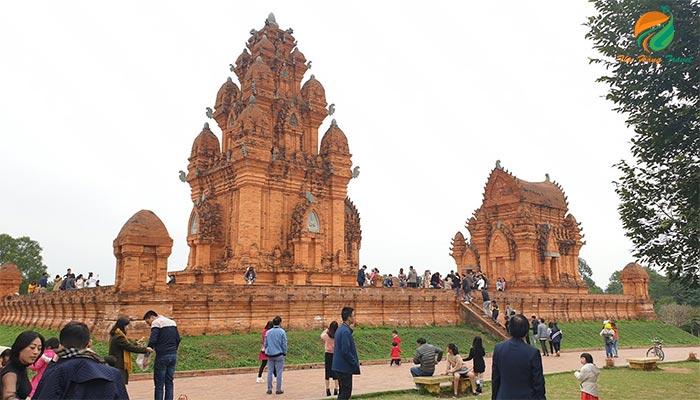 Giá vé Làng văn hóa các dân tộc Việt Nam ở Ba Vì