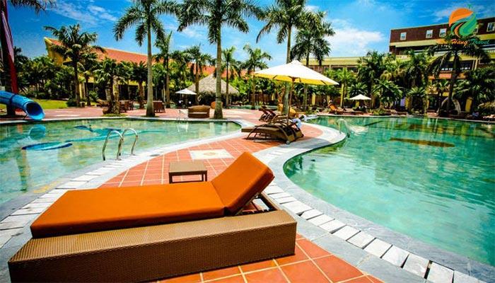 Bể bơi ngoài trời sang trọng ở Asean Resort