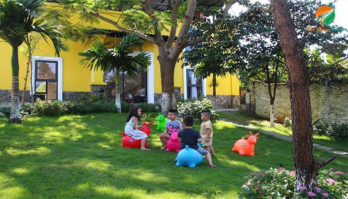 Embossi Garden có không gian rộng cho các bạn nhỏ vui chơi