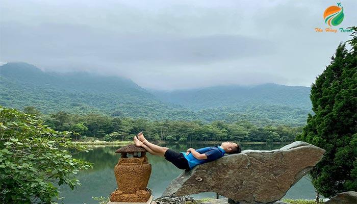Thu giãn tại hồ Ngoạn Sơn ở khu Medi Thiên Sơn