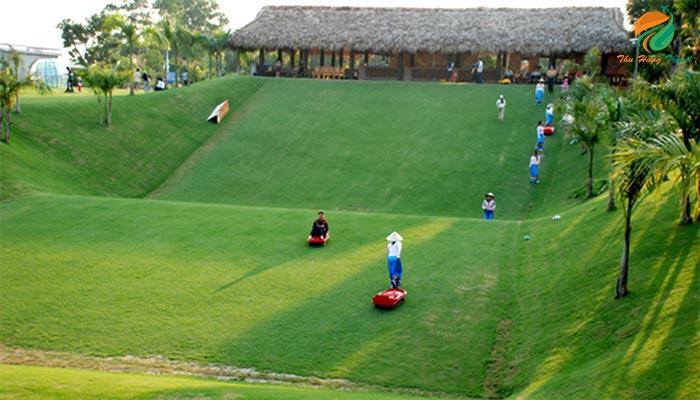 Trượt cỏ hoạt động hấp dẫn ở Resort