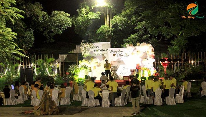 Tổ chức họp lớp ngoài trời ở Paragon Resort