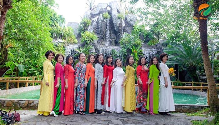 Họp lớp ở khu du lịch Long Việt