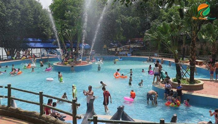 Khu công viên nước ở Ao Vua Xanh